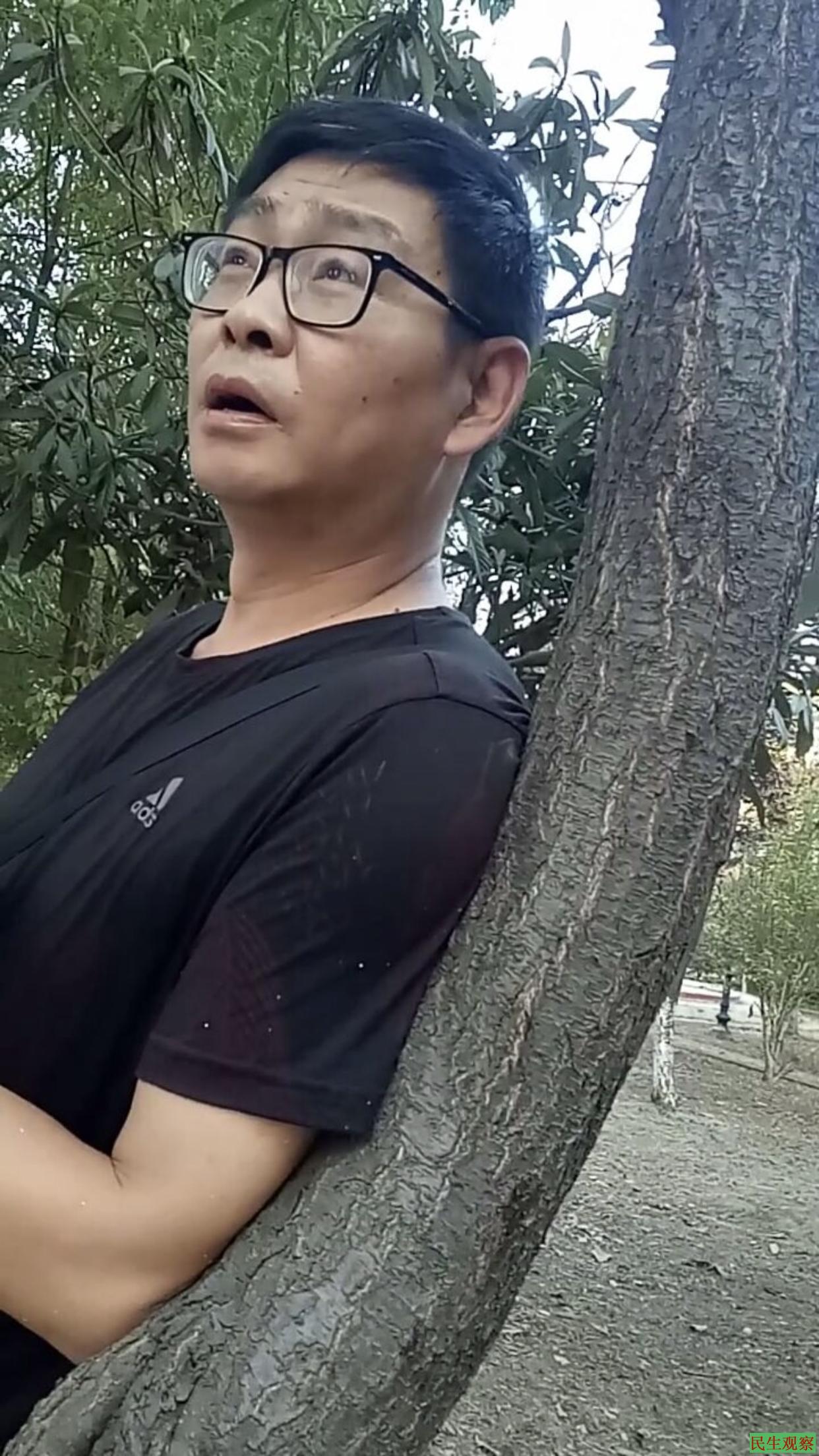 潜江市委书记上门慰问伍立娟